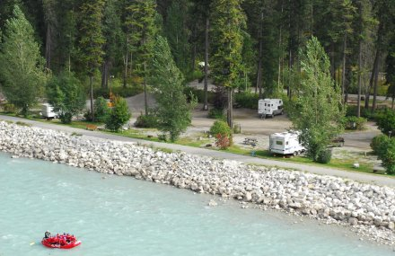 Golden-Municipal-Campground-Canada